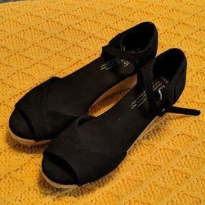 Toms espadrilles shoes